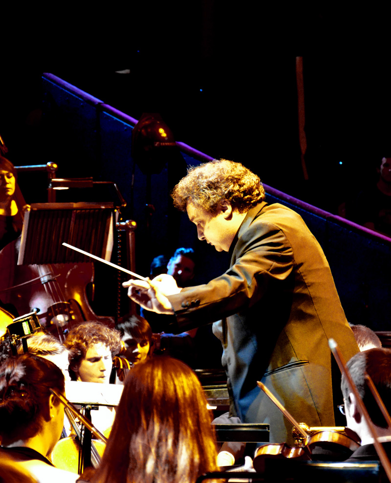 Paul Mann with Orion Orchestra opening the concert to celebrate Jon Lord. Photo: Nigel Hopkins